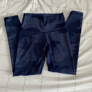 American Eagle Aerie Camo blue leggings